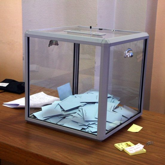 Ballot Box, French Presidential election, Lausanne, 2007 © Rama | Wikimedia Commons