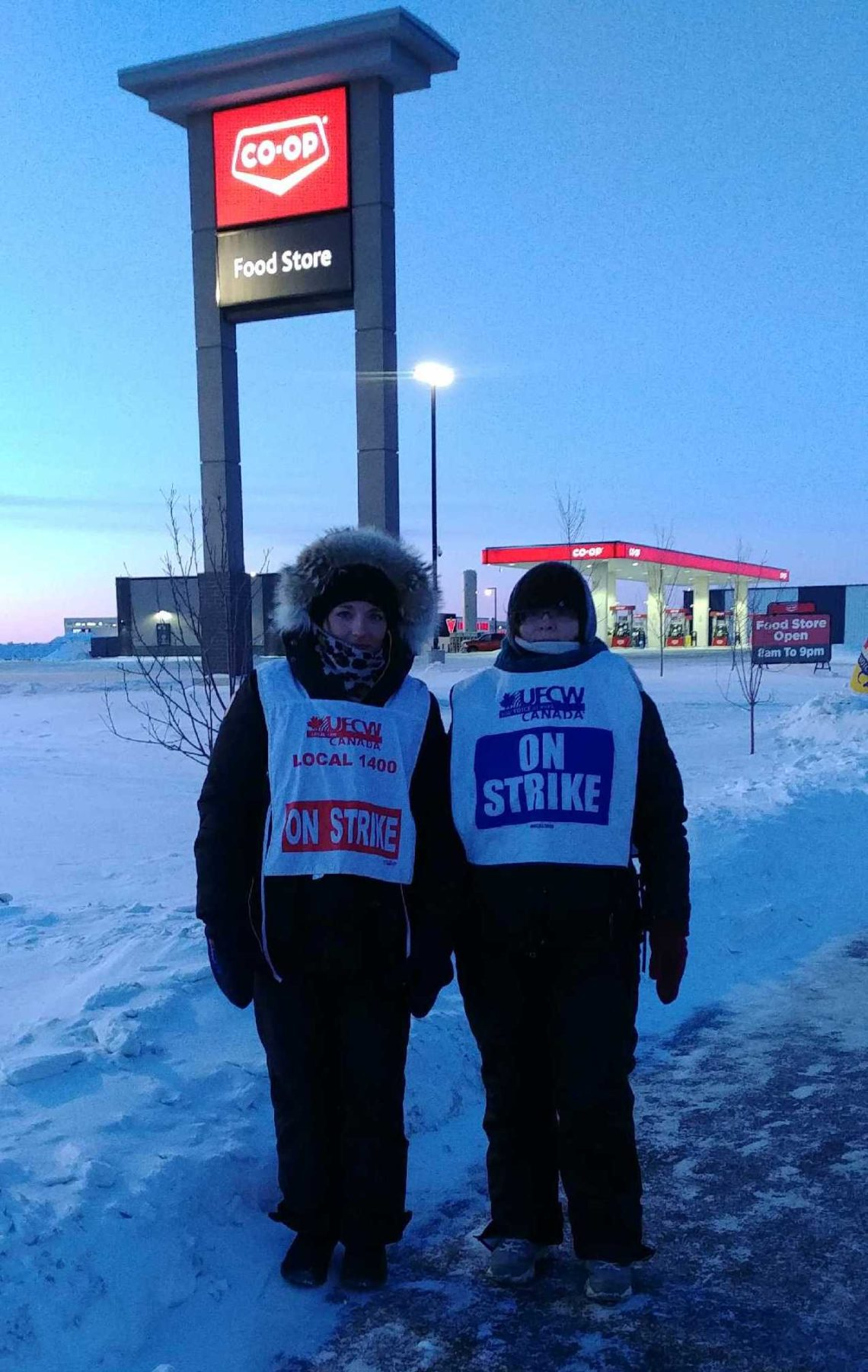 Saskatoon Co-op workers walking the picket line, 2019