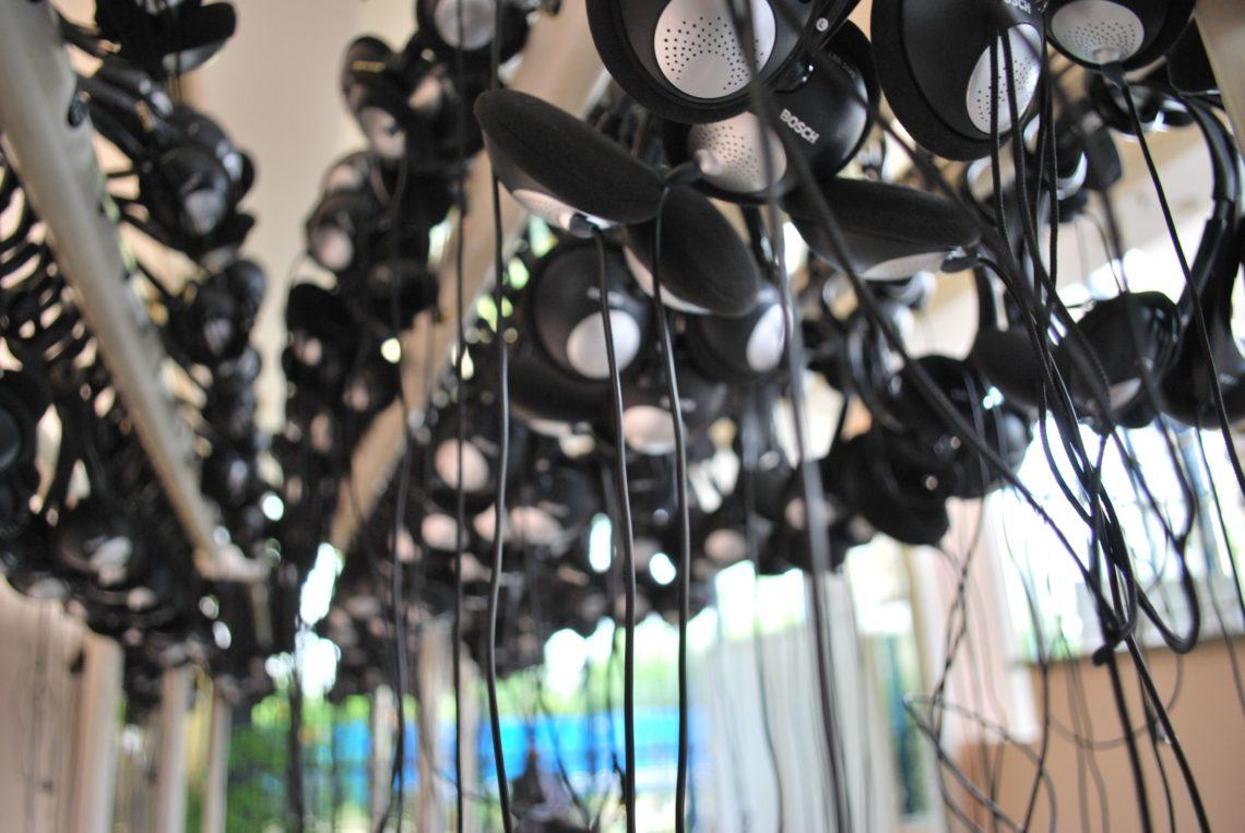 Headsets, 2009 © Zoë Caron | Flickr